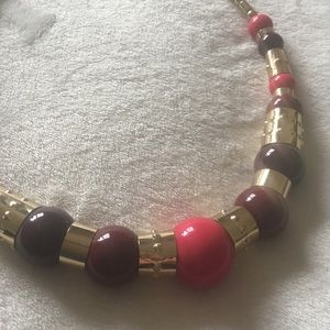 Jewelry - Pink and gold chunky bead necklace